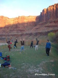 Playing in the canyon with handstands: in service of fun!